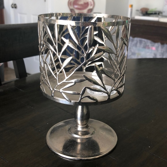 Leaf Pattern B&BW Candle Holder